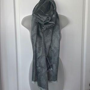 NWOT Authentic Michael Kori gray  scarf reversible